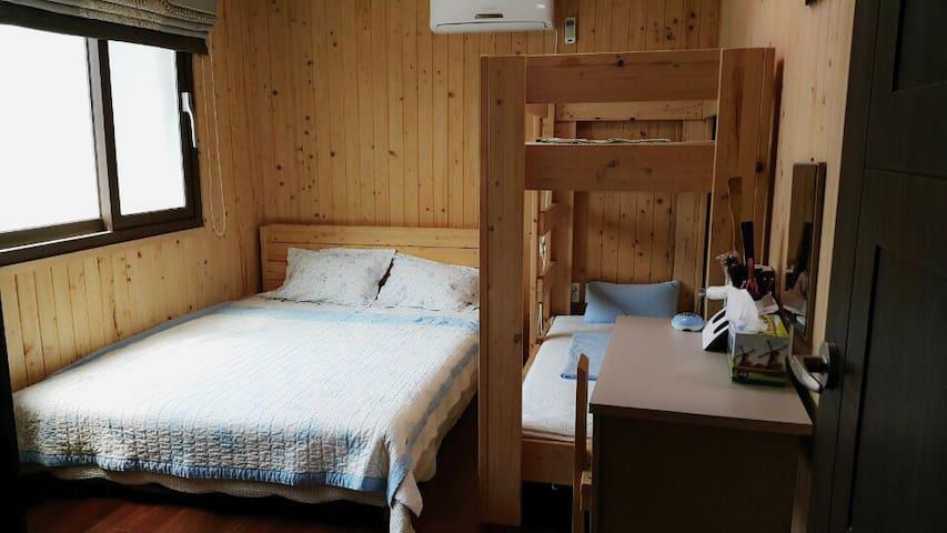 4인실(Quad Room)-제주 서귀포 위미 올레5(Jeju Seogwipo Olleh5)