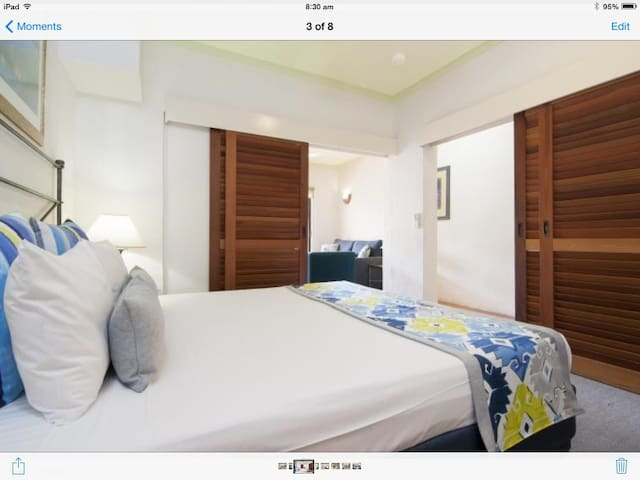 KING SIZE BED Comfy bed and pleasant bedroom