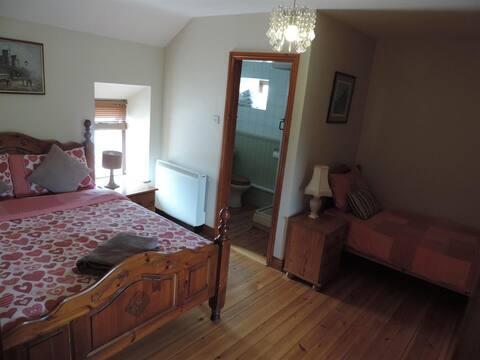 Bective Mill House B&B - Family Room - (RM1)