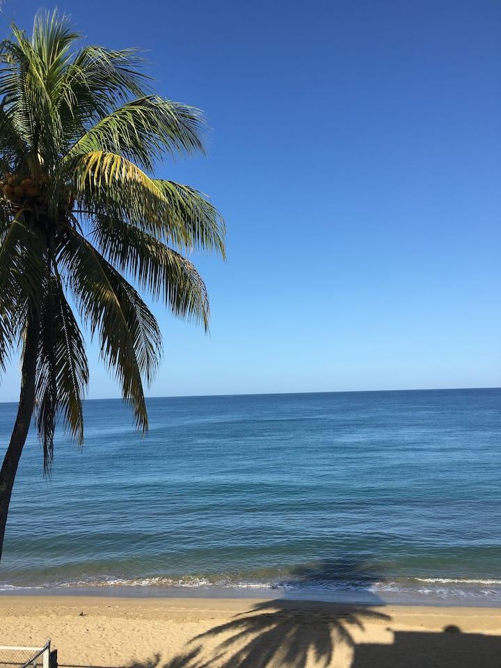 Beach front apartment, Puesta del Sol