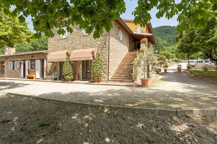 Holiday Home in Assisi with Swimming Pool, Terrace, Garden