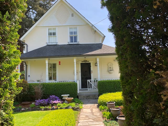 Charming Chilliwack Heritage Home