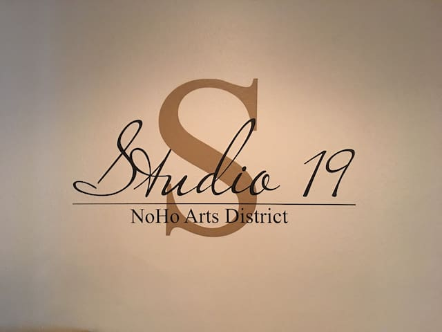 "Welcome to World Famous ""Studio 19"" in the NoHo Arts District. Ultra modern guest house where the most creative people stay when in town. Only (5) minutes to Universal and all the major studios."