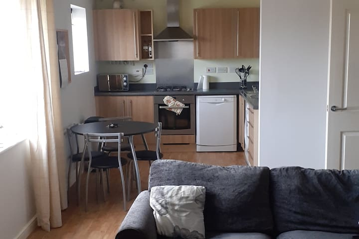 Spacious 2 bedroom apartment with off road parking