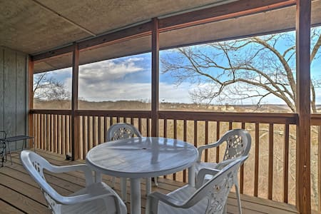 Gorgeous 2BR Branson West Mountainside Condo! - Reeds Spring