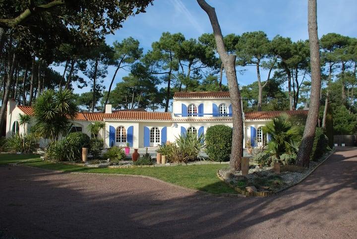 Villa avec piscine proche mer