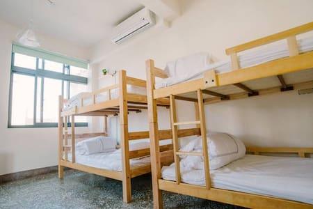 城邊旅行空間-男生六人背包客房#床位3 - North District