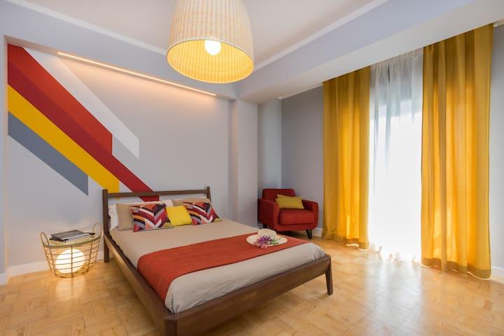 Lisbon Airport Hostel - Madeira Bedroom
