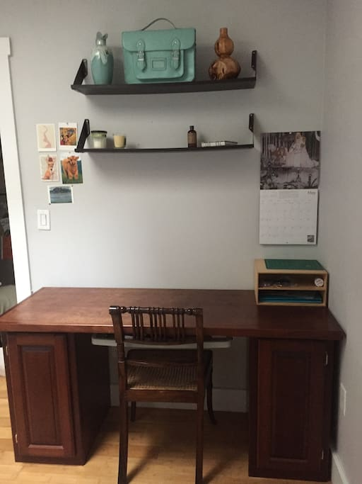 Ample desk and workspace