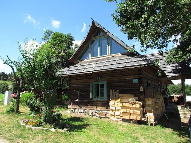 Nasza Polana - drewniana chata w Beskidzie Niskim - Klimkówka - Byt