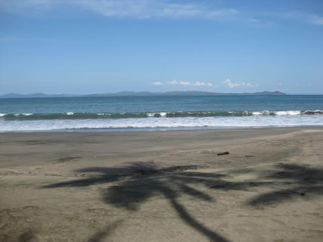 Oceanfront/Pacific- sandy beach Arbol-Casa