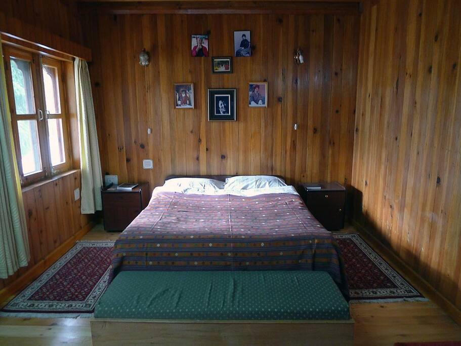Main bedroom with queen bed.
