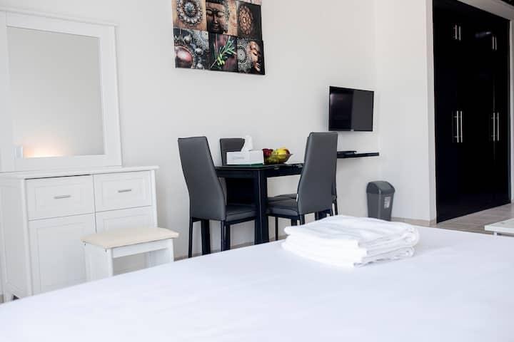 Spacious Studio Apartment @DG (4)