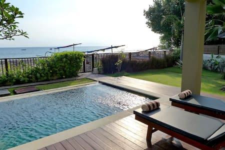 Luxury Honeymoon Sunset Villa /direct beach access