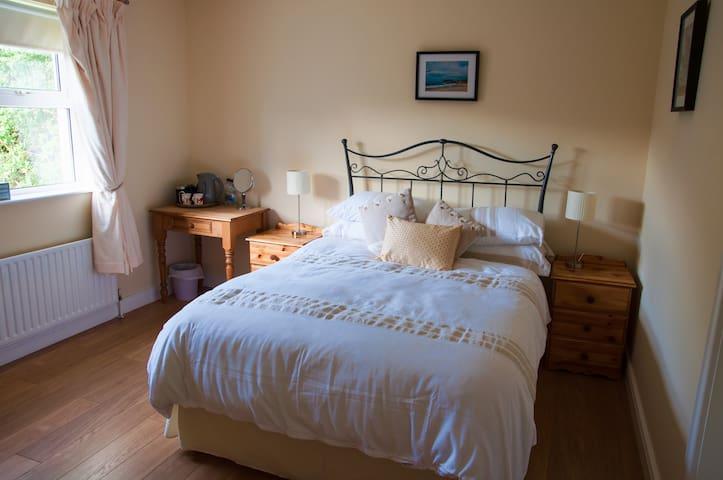 Double room & ensuite incl. breakfast, Ballycastle