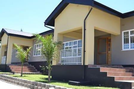 NEW 3 BED LUXURY HOUSE IN KALUNDU - Lusaka - Wohnung