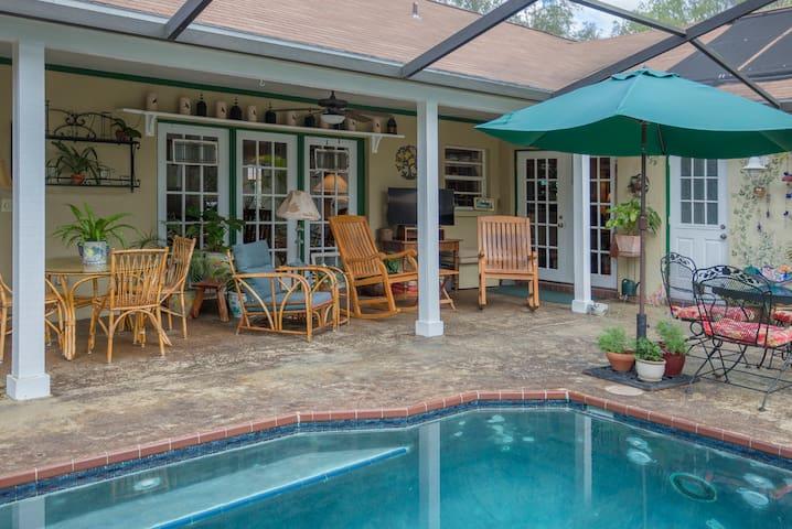 Secret Garden two-bedroom suite in North Tampa