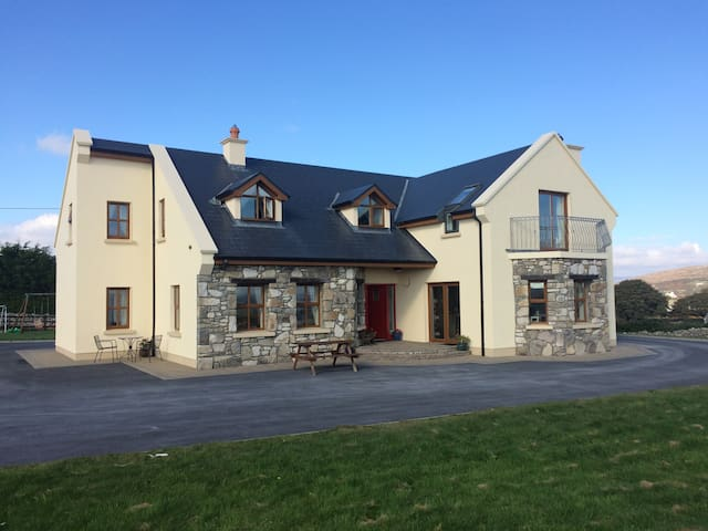 Bayview B&B (2) Lettermore  Co Galway Connemara