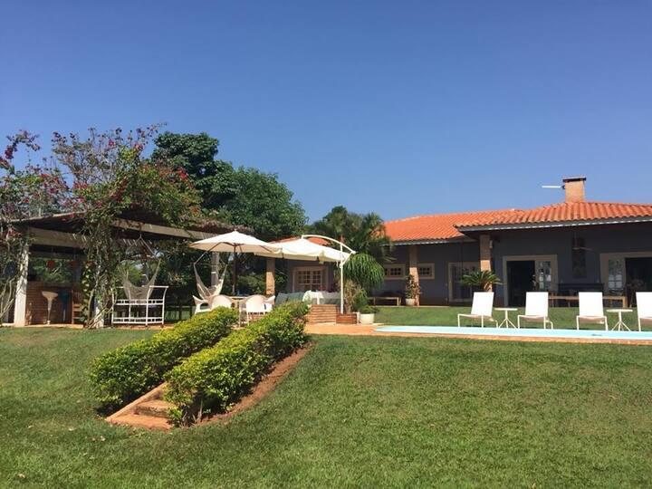 Casa Maravilhosa em frente a represa de Avaré