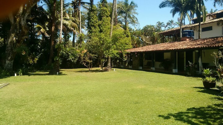 Casa Colonial terrea no Saco da Capela