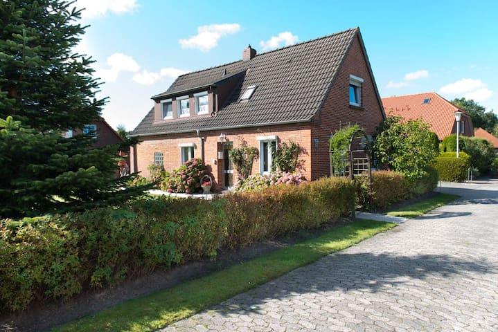 Familien-Ferienparadies am See - Berumbur - House