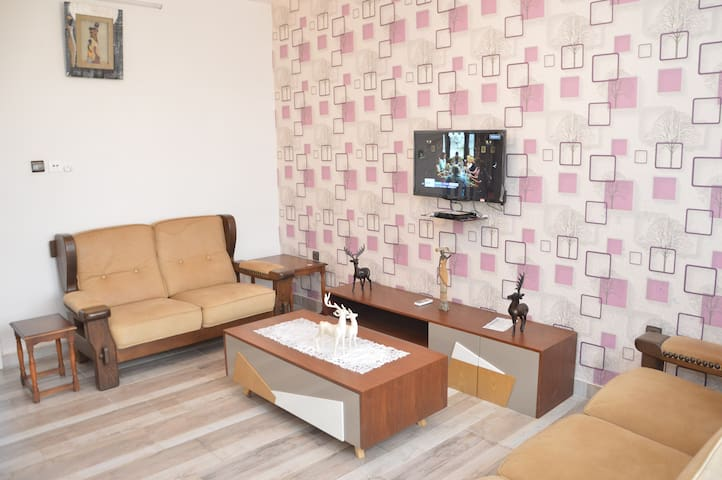 """Appartement Contemporain """"3 Pièces"""" Terrasse"""
