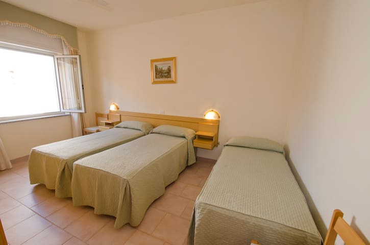 HOTEL GABBIANO DOPPIA CLASSIC - Isola Rossa - Bed & Breakfast
