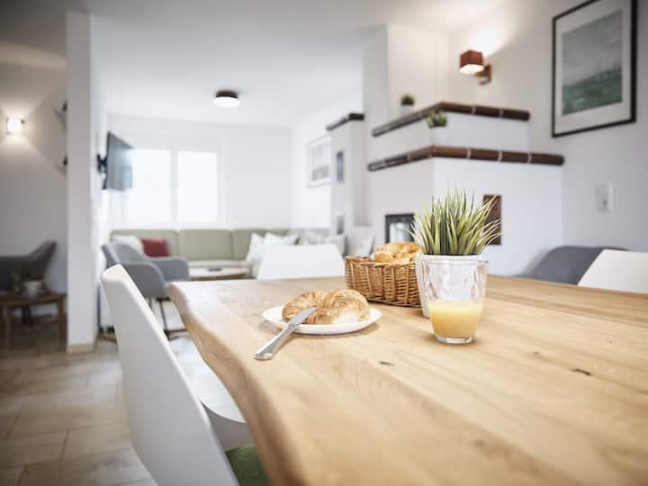 Villa Elsa, (Rust), Ferienhaus, 180qm, 5 Schlafzimmer, 3 Badezimmer, max. 10 Personen