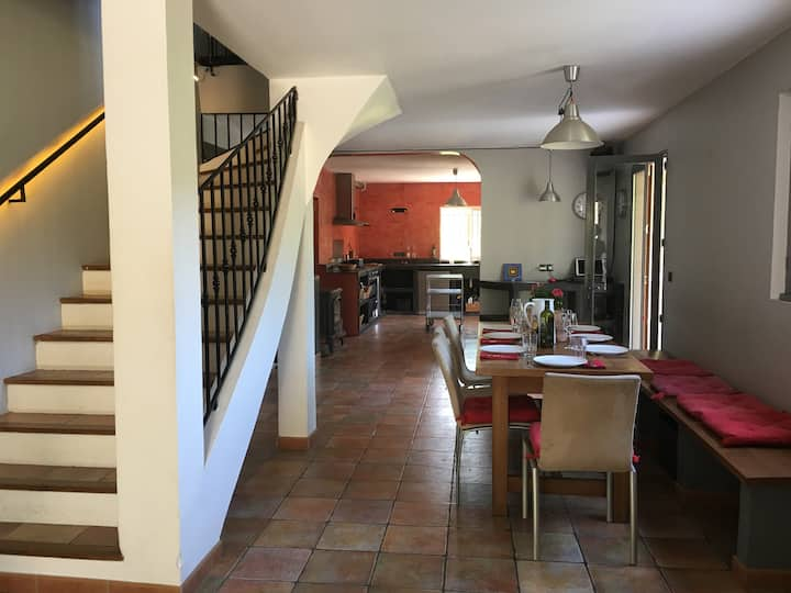 Fabulous large 4 bed Villa with pool