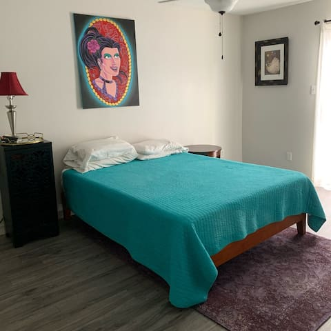 Eclectic, Cozy, Quintessential Austin Habitat