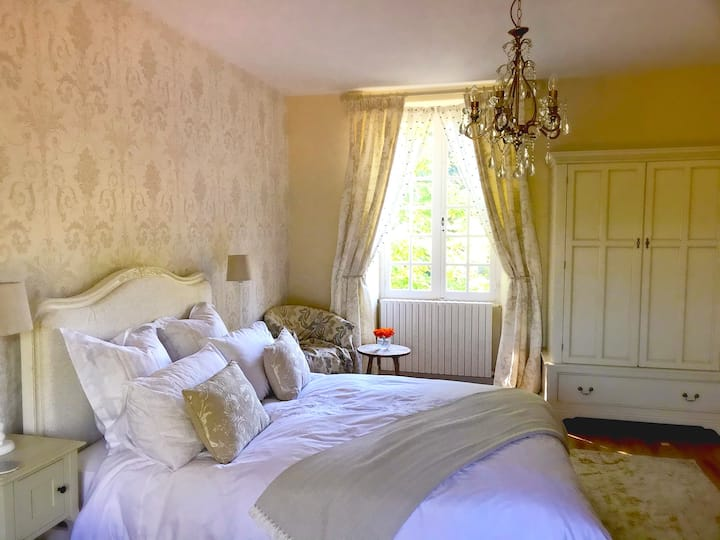 Bed & Breakfast near Bordeaux, Logis de Tirac