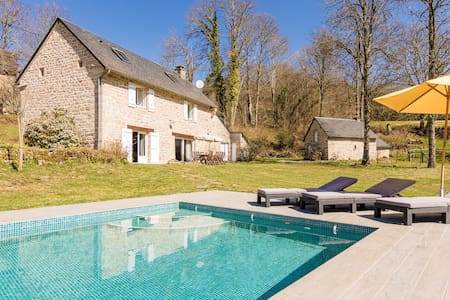 Fantastic Holiday Home in Veix Limousin with Private Pool