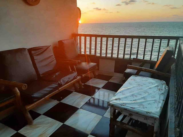 Sporting two bedroom sea view appartement