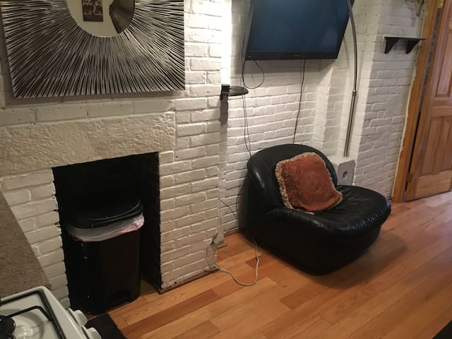 Lower Manhattan 2 Bedroom, Very Convenient!