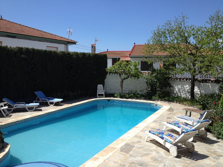 Casa del Jardin, country gite, pool