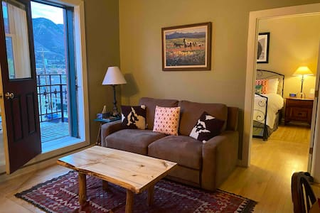 Historic Jarvis Condo w Balcony - Downtown Durango