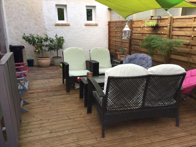 Terrasse et jacuzzi