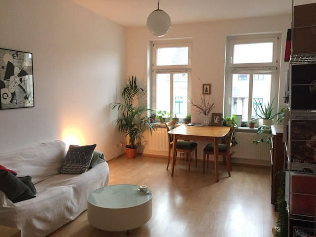 Beautiful Apartment in Leipzigs lively south