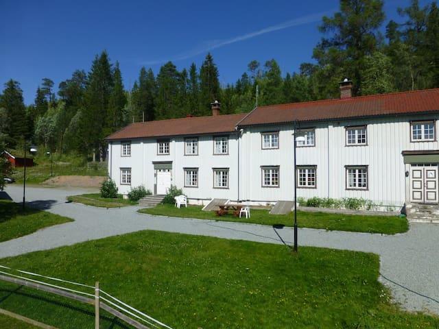Storbuan gård