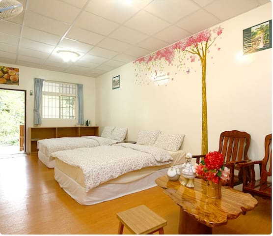 乾淨-登山客最愛四人房-加家民宿-double room with two beds - Yuli Township - Lägenhet
