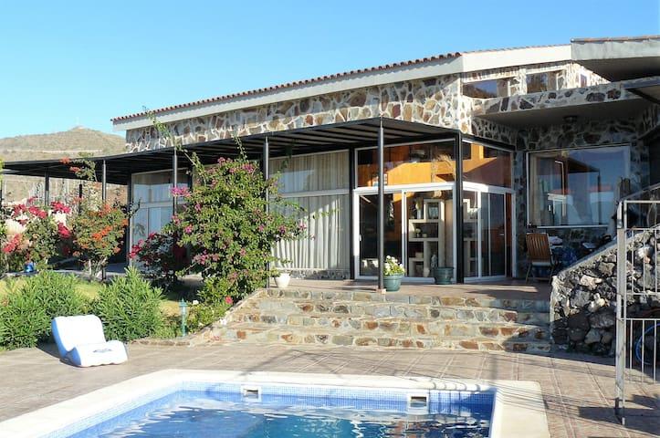 Villa indipendente de 260m2. Vista paz y relax