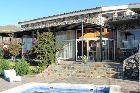 Villa indipendente de 260m2. Vista paz y relax - Santa Cruz de Tenerife