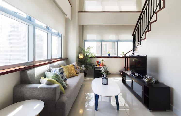 Big Corner Loft that can fit Groups - Greenbelt - Makati - Apartament