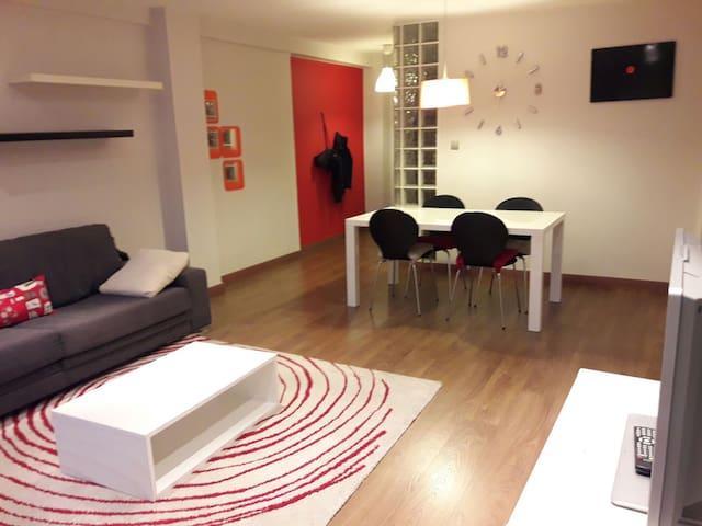 Piso moderno cerca del centro, bien comunicado - València - Apartament