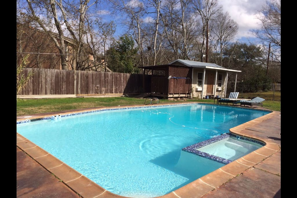 Heated pool and private hot tub
