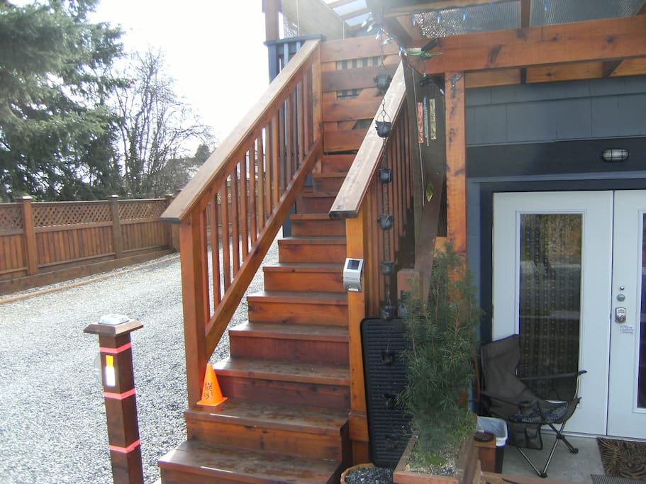 Private entrance with private patio