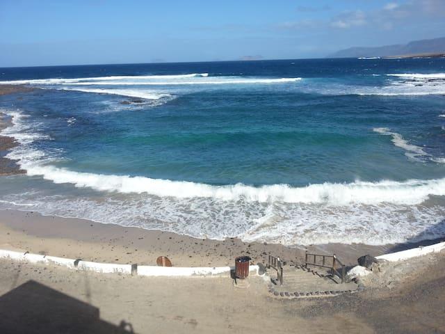 Apartamento Primera linea de Playa - Caleta de Caballo - Apartamento