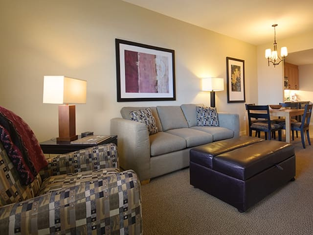 Founders Pointe 4646
