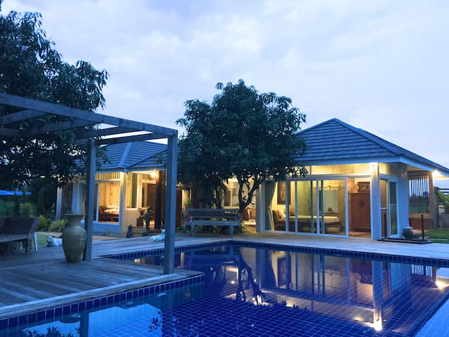 Mountain View  Private Pool Villa Nakhonnayok