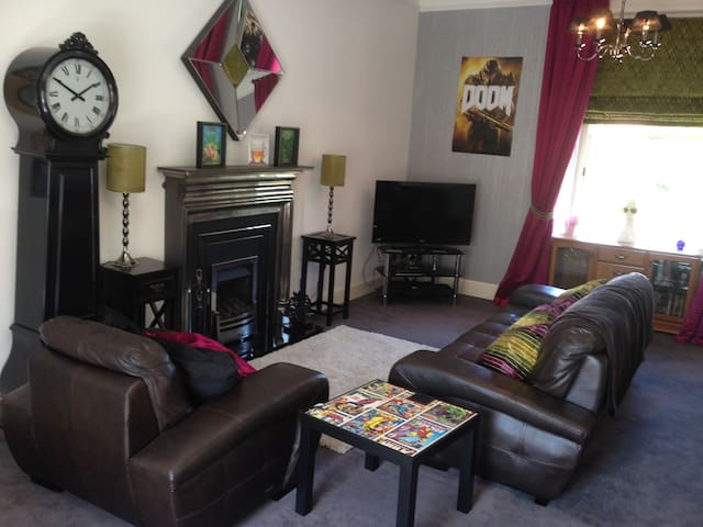 Seaside escape 3 bedroom apartment - Ayr - Apartment